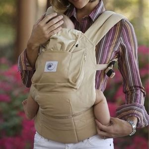 Ergobaby Carrier Tan Brown with Pocket!